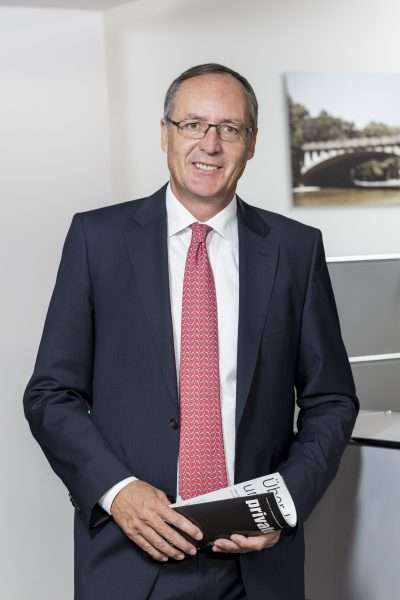 Volker Theyson, Direktor, Tel. 089 / 623 03 69-14, E-Mail volker.theyson@kbvv.de, Diplom Kaufmann, KB-Vermögensverwaltung GmbH