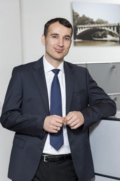 Frank Bekaj, Back Office, Tel. 089 / 623 03 69-22, E-Mail frank.bekaj@kbvv.de, Systemadministrator, KB-Vermögensverwaltung GmbH
