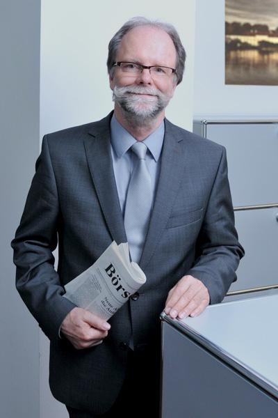 Alexander Haugg, Direktor, Tel. 089 / 623 03 69-24, E-Mail alexander.haugg@kbvv.de, Vermögensverwalter, Portfoliomanagement, KB-Vermögensverwaltung GmbH