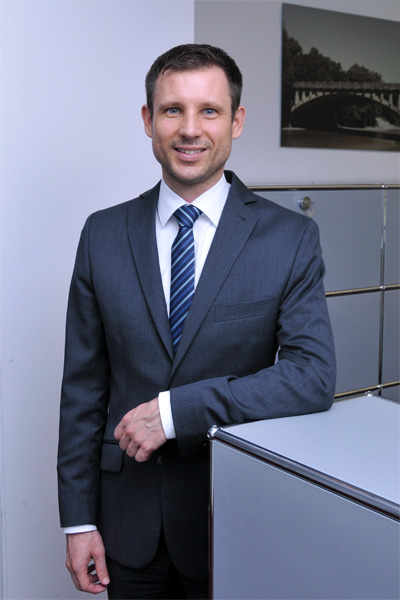 Mathias Ickert, Certified Wealth Manager, Tel. 089 / 623 03 69-23, E-Mail mathias.ickert@kbvv.de, Direktor, KB-Vermögensverwaltung GmbH