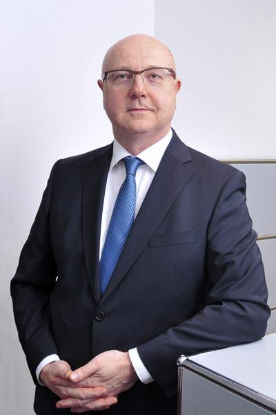 Peter Bähr, Direktor, Tel. 089 / 623 03 69-25, E-Mail peter.baehr@kbvv.de, Vermögensverwalter, Portfoliomanagement, KB-Vermögensverwaltung GmbH